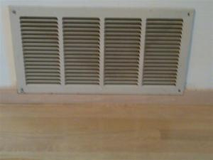 Cool air return for forced air heating system