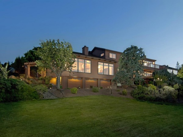 110 Alerche Drive, Los Gatos - view at twilight