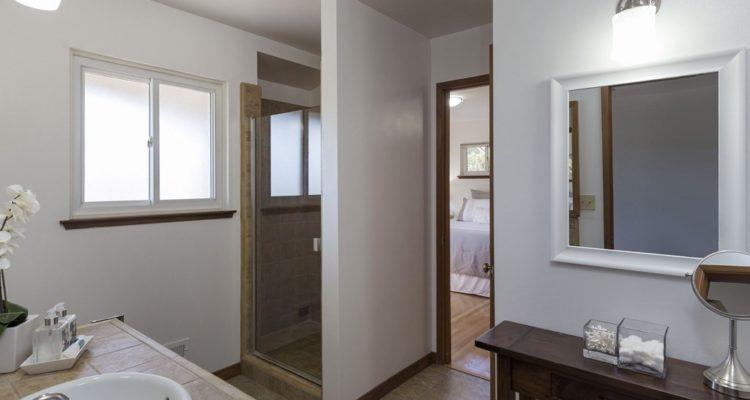 Master bathroom on Woodbank Wy, Saratoga