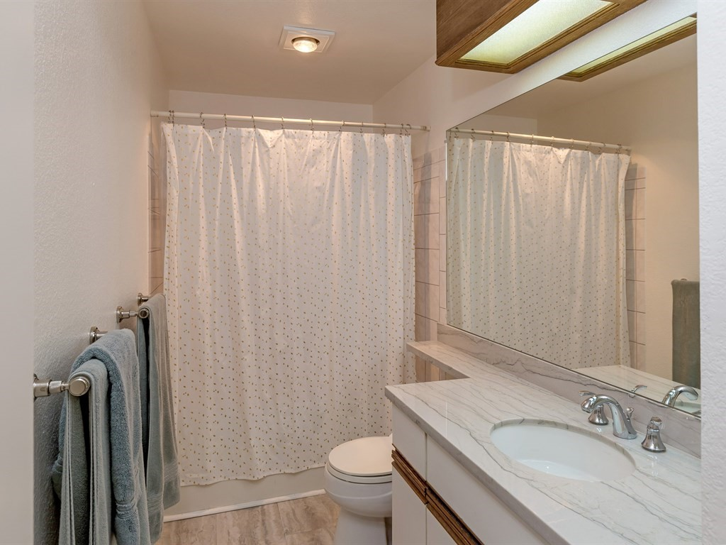 011 Bathroom  - 011_Bathroom