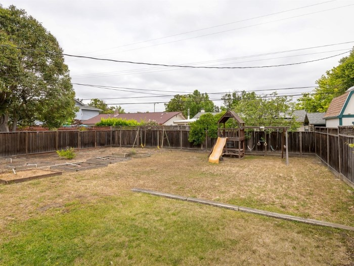 normous Yard with loads of potential at 4843 Englewood Dr, San Jose, CA 95129