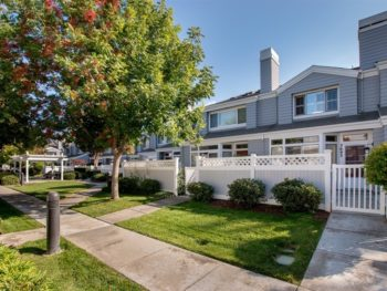 Townhomes in west San Jose - Cabernet Vineyards Circle, San Jose CA 95117 Front of home & walkway