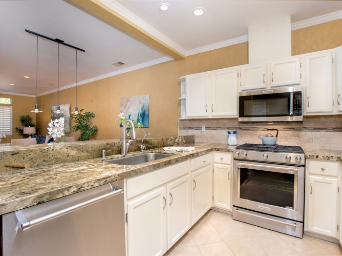 3693 Cabernet Vineyards Circle, Kitchen with Stainless Steel Appliances