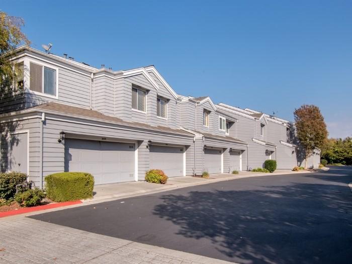 3693 Cabernet Vineyards Circle, San Jose CA 95117 Garage exterior